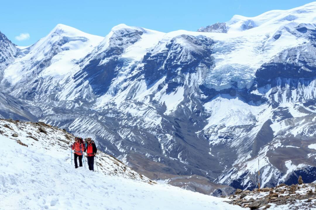 nepal mountains trek