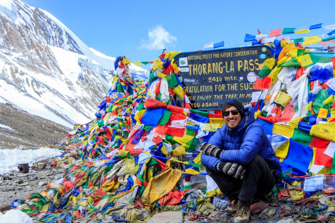 thorong la pass nepal summit
