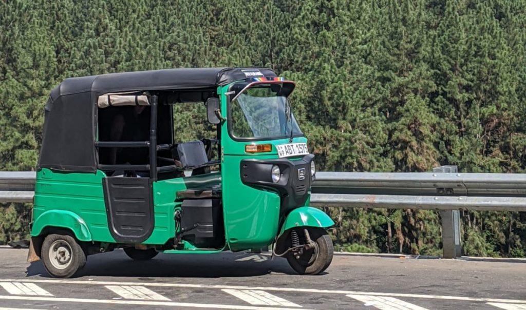 tuktuk sri lanka travel