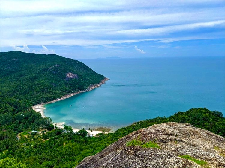 bottle beach hike has the best view in koh phangan
