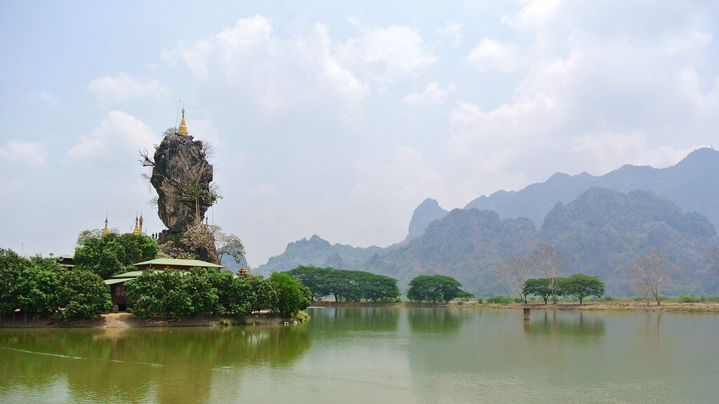 kyauk ka water temple in hpa an
