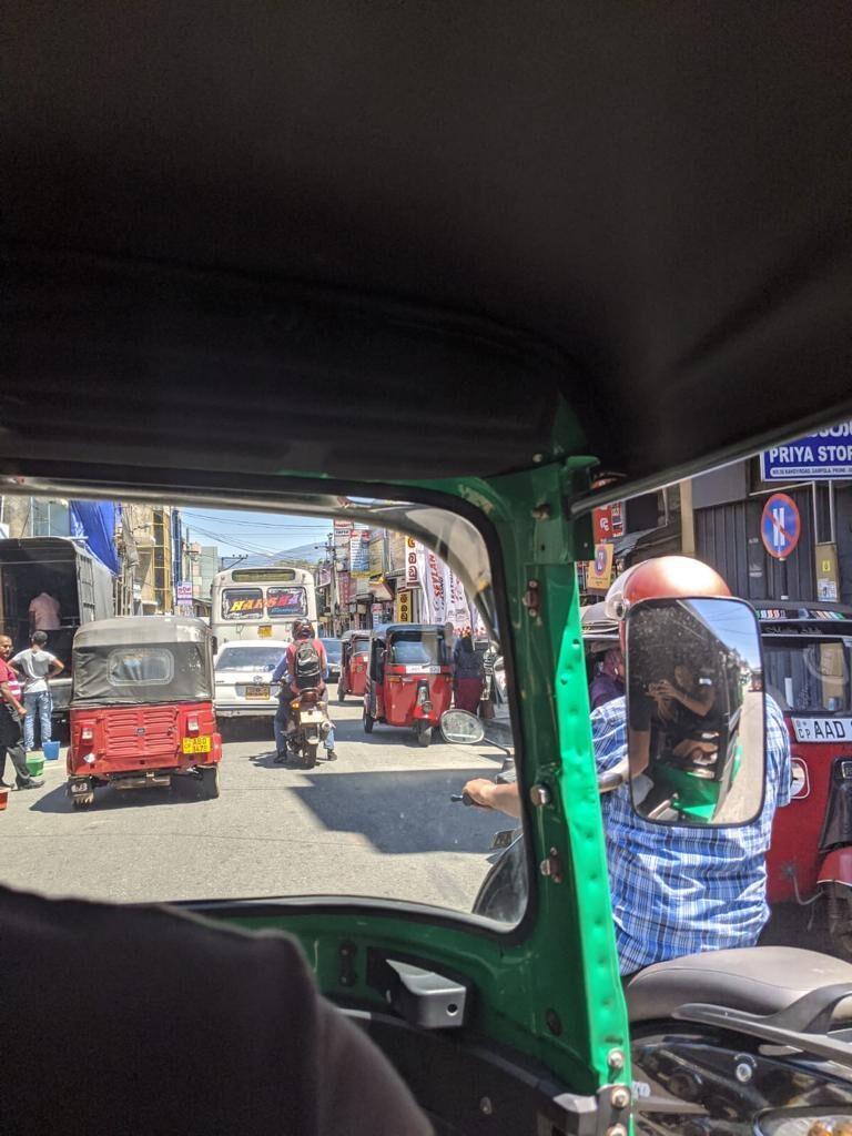 traffic in sri lanka