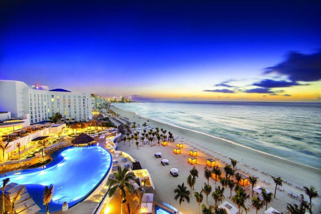 cancun's hotel zone