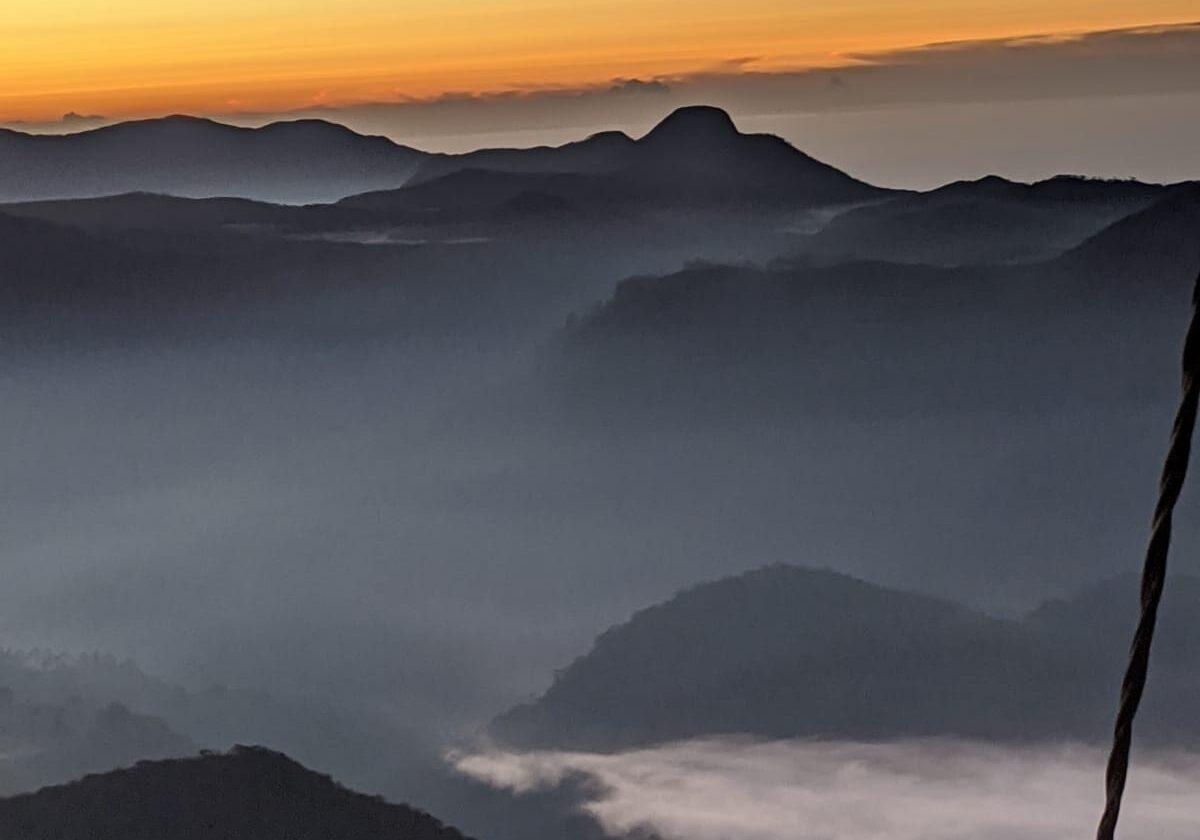 adams peak summit sunrise views