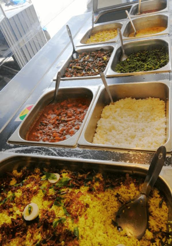 sri lankan buffet in dickwella
